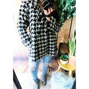 Anthropologie plush houndstooth jacket ☕️